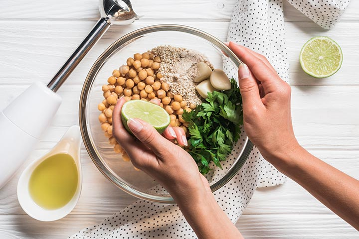 is it safe to snack on hummus during pregnancy