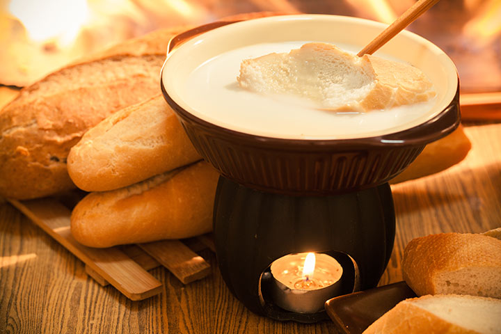 Cheese Fondue Recipes For Kids - Cheddar Cheese Fondue