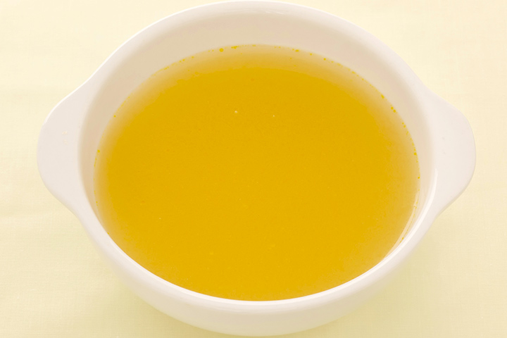 Homemade garlic salve for cold and cough