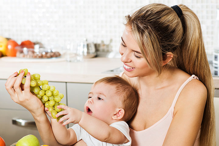 Can You Eat Grapes While Breastfeeding-2892