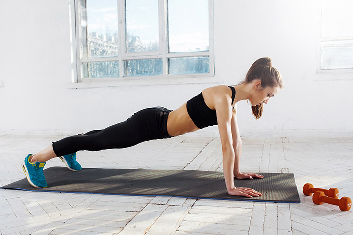 Push-up and knee kick