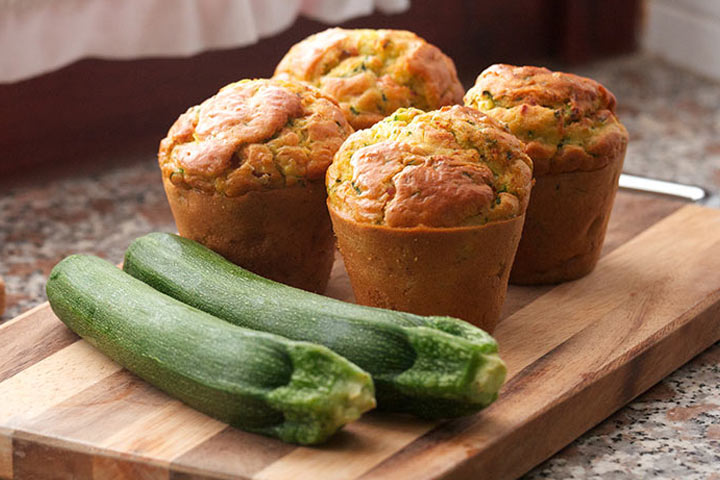 Zucchini-Applesauce-Muffins