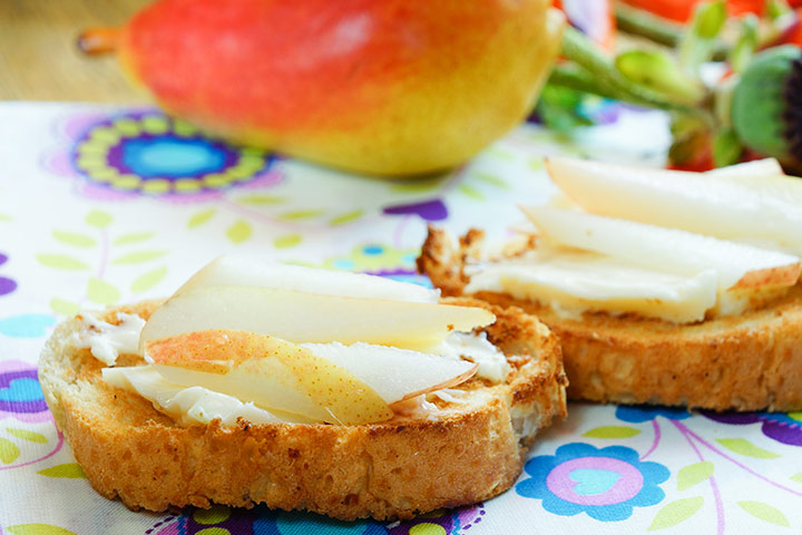 A Pear-And-Cheese-Sandwich