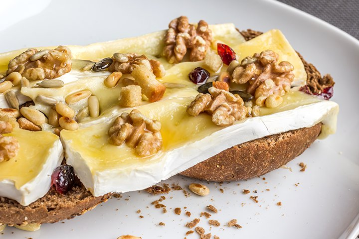 Brie Cheese While Pregnant - Brie Cheese Glazed With Sugar And Nuts