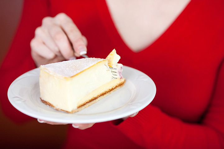can you eat cheesecake when pregnant cravings and effects