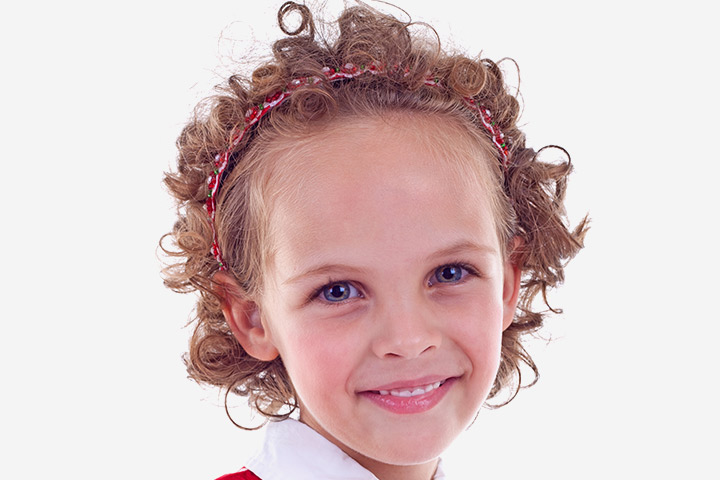 Short Curly Hairstyle with Headbands Images