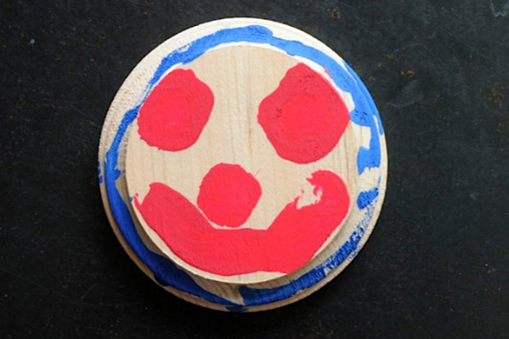 Painting For Kids - Smiley Face Painting On Wooden Plaque