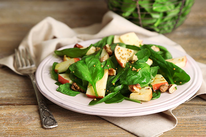 Vitamins While Breastfeeding - Spinach And Apple Salad