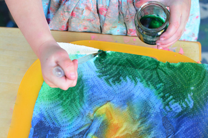 Painting For Kids - Tie And Dye Paper Towel Art