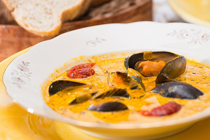 Mussels While Pregnant - Yellow Curry Mussels With Lime