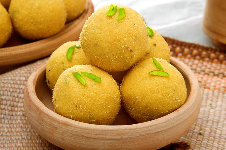 Diwali Sweets Recipes For Children - Besan Laddoo