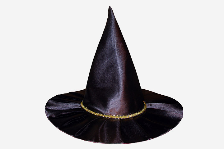 Halloween Games For Kids - Toss The Ring Around The Witch's Hat