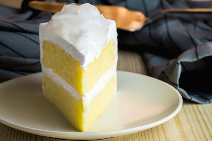Yellow cake with cream frosting