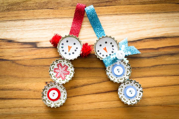 Christmas Crafts For Toddlers - Bottle Lid Snowmen