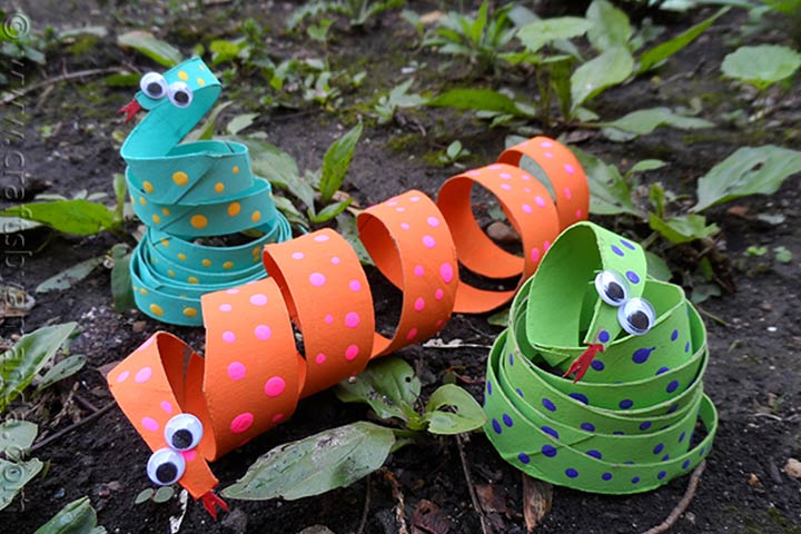 Waste Material Craft Ideas - Cardboard Tube Coiled Snake