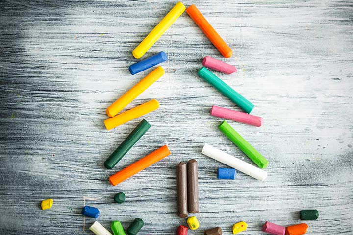 Christmas Crafts For Toddlers - Crayon Christmas Tree