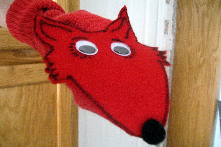 Dr. Seuss Activities - Fox In The Socks Puppet