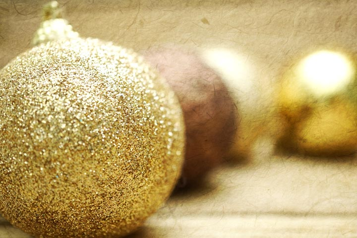 Christmas Crafts For Toddlers - Glitter Decoration Balls
