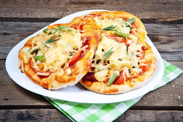 Mini green pepper pizza