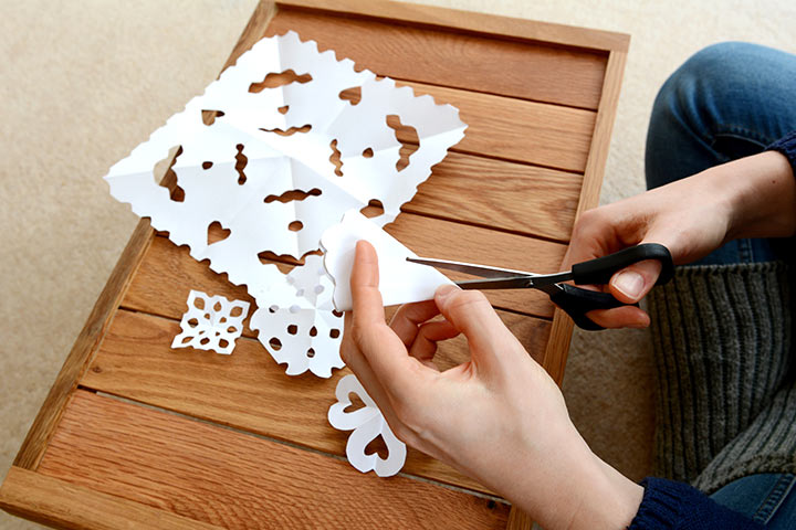 Christmas Craft Ideas For Kids - Paper Snowflakes