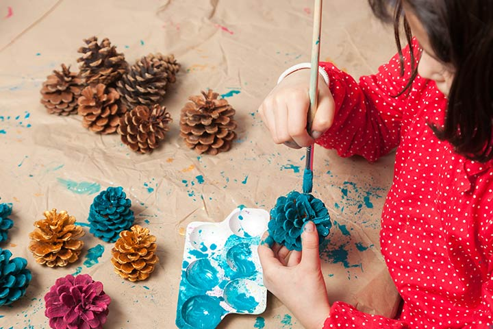 Christmas Craft Ideas For Kids - Pine Cone Christmas Ornament