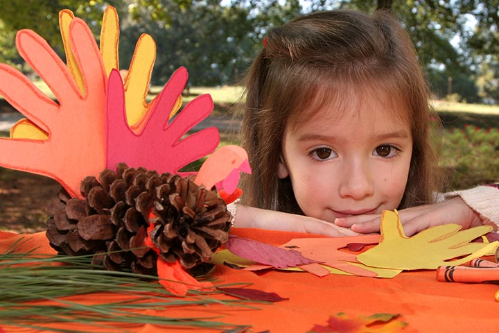 Thanksgiving Activities For Kids - Pine Cone Turkey