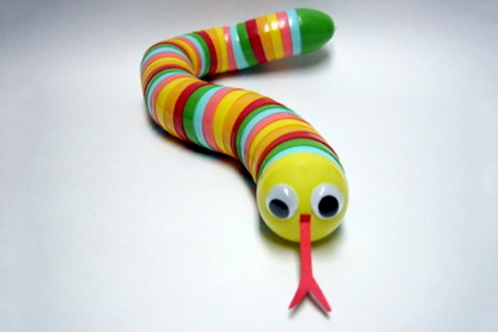 Craft Ideas For Kids With Waste Material Part - 25: Waste Material Craft Ideas - Plastic Egg Snake