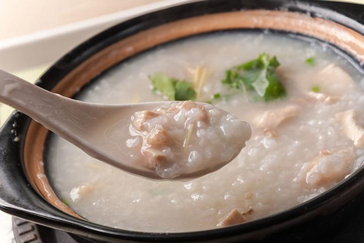 Rice and chicken porridge