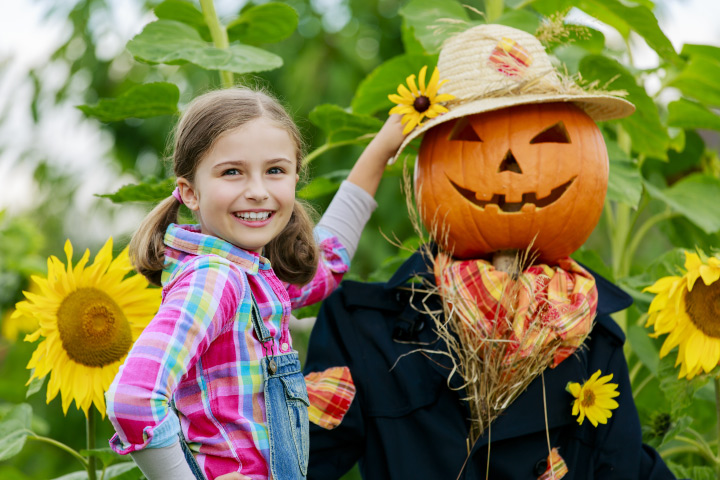 Halloween Party Games For Tweens - Scarecrow-Race
