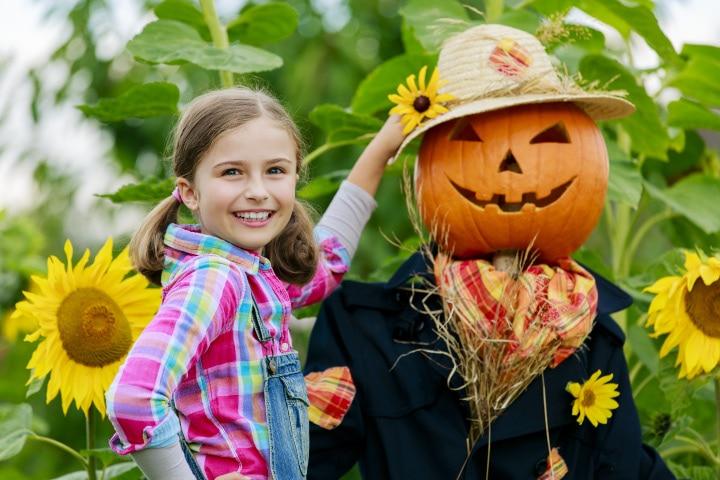 Halloween Party Games For Tweens - Scarecrow-Race