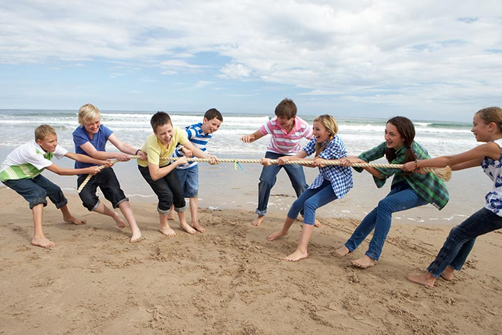 Team Building Exercises For Teens - Tug-Of-War