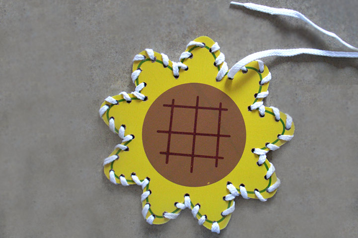Christmas Gifts For Kids - Lacing Card