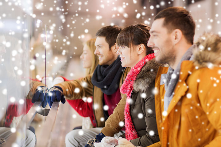 Christmas Party Games For Teens - Who Is That Kid