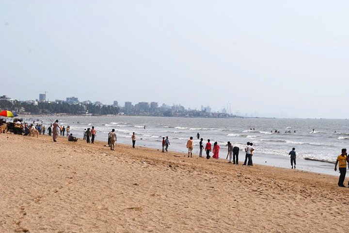 Places To Visit In Mumbai For Kids - Juhu Beach