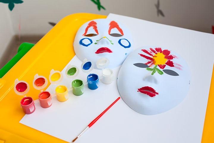 Kangaroo Crafts - Kangaroo Paper Plate Mask