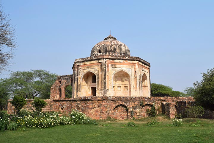 Qutub Khan's Tomb History, Address & Pictures