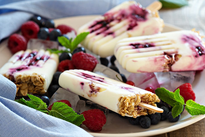 Snacks For Breastfeeding - Yogurt Popsicles With Oats, Fruits And Dry Fruits