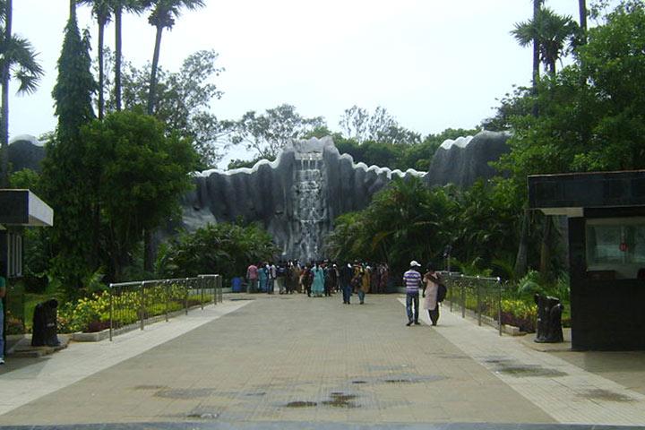 Parks In Chennai - Arignar Anna Zoological Park