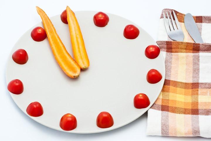 Clock Craft - Cherry Tomato And Carrot Clock Craft