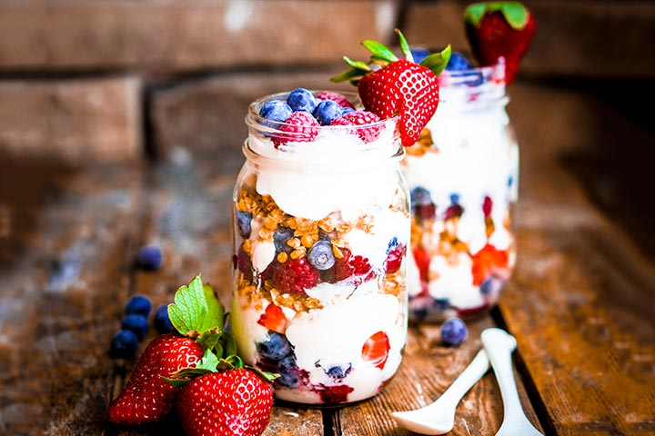 Protein Snacks For Kids - Greek Yogurt Parfait