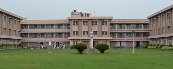 Convent Schools In Delhi - Holy Child Senior Secondary School