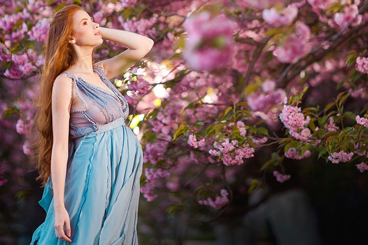 Modern Maternity Photos That Fantasize Pregnancy