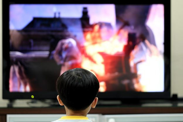 effect of television The social aspects of television are influences this medium has had on society since its inception the belief that this impact has been dramatic has been largely.