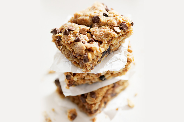 Oats and chocolate chip bites