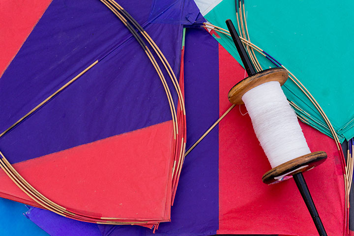 How To Make A Kite For Kids - Simple Paper Kite