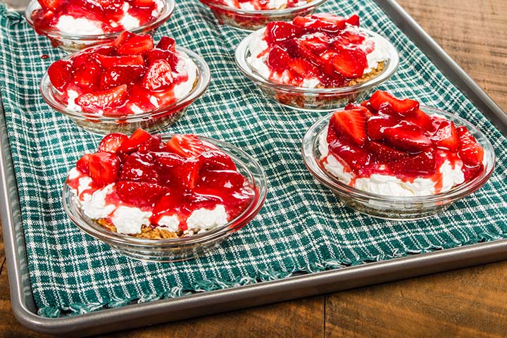 Easy Dessert Recipes For Teens - Strawberry Icebox Cake