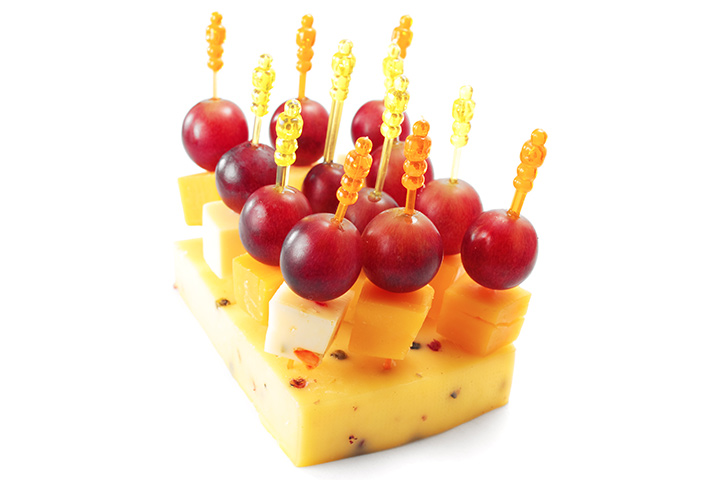 String cheese-grape kabobs