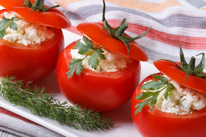 Tomato cups with avocado cottage cheese filling