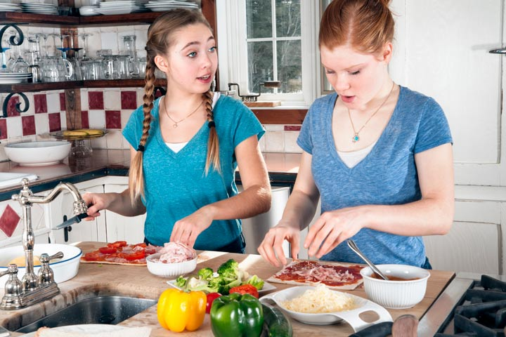 Fun Things To Do On The Weekend For Teenagers - Cook Something