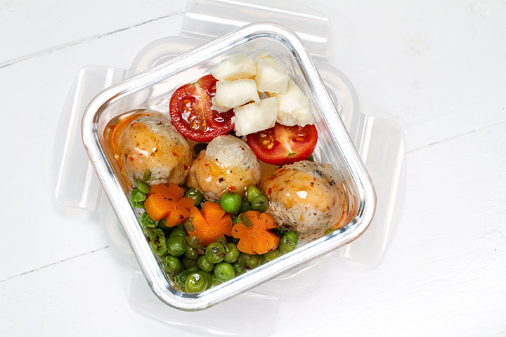 Bento Box Lunch Ideas For Kids - Chicken, Vegetables, And Cottage Cheese Bento Box